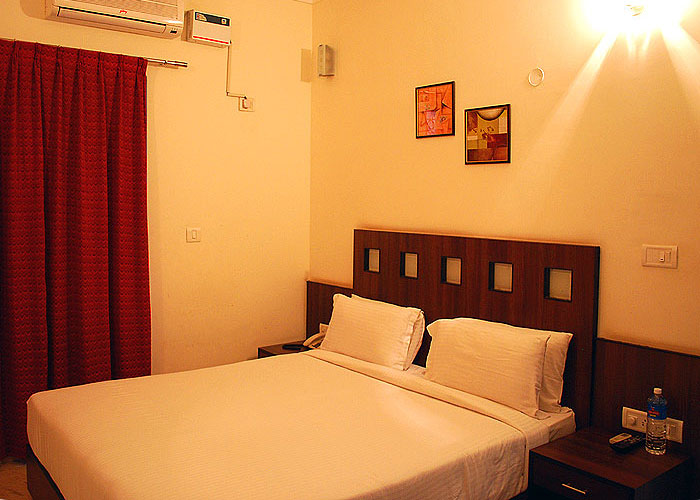 Koramangala Serviced Apartment, ST Bed. 13