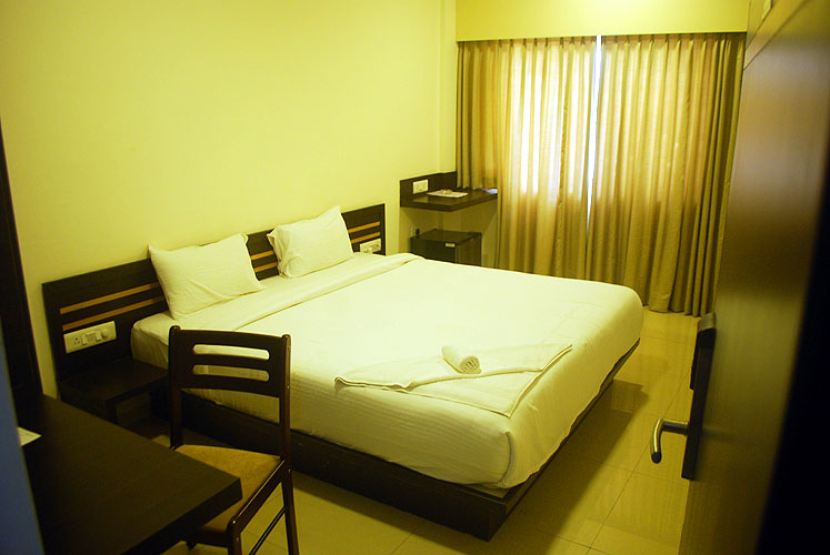 Kodihalli Serviced Apartment (Behind Leela Palace)7